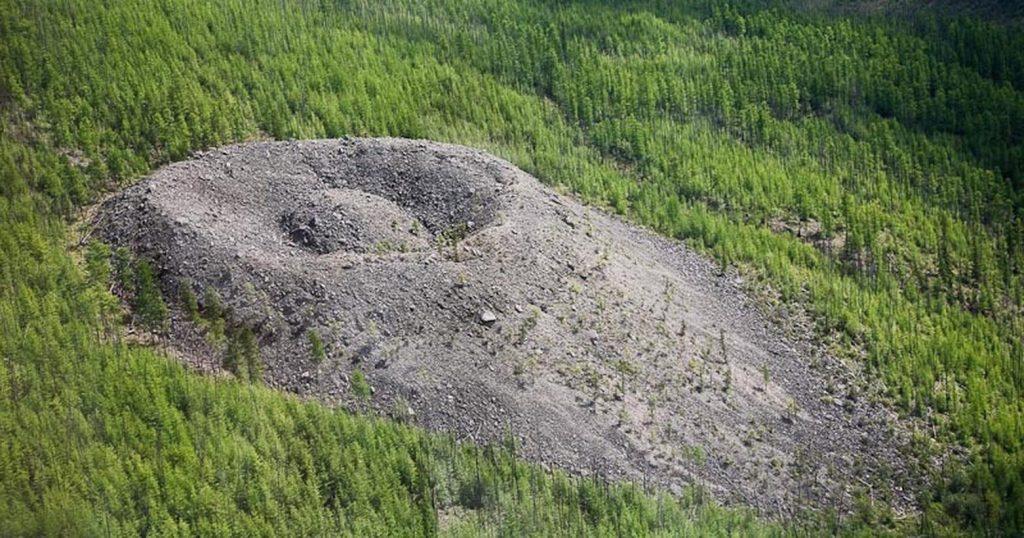 15_patomskij-krater