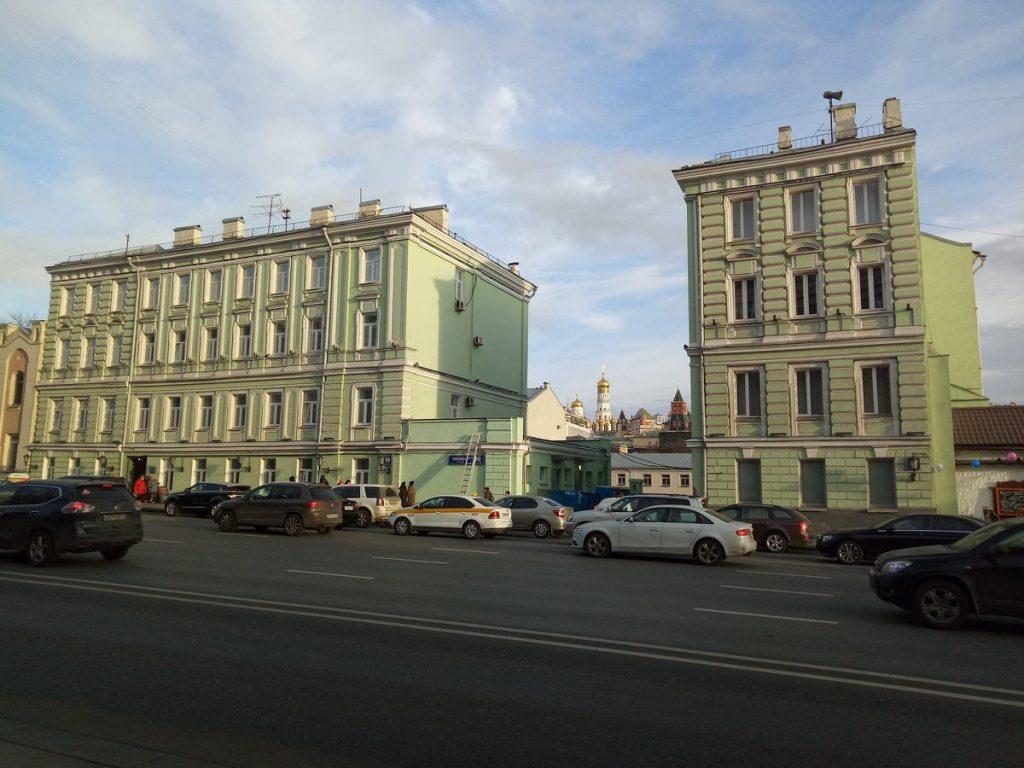 11_razorvannyj-dom
