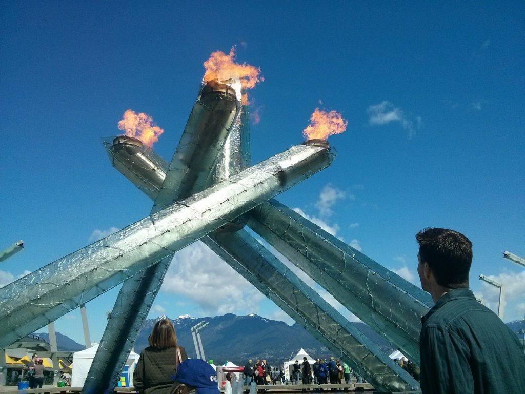 22_fakel-olimpijskogo-ognya-v-vankuvere-vancouver-olympic-cauldron