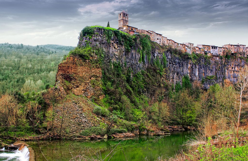 19_kastelfolit-de-la-roka-ispaniya