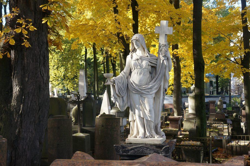 1.-nekropoli-muzeya-gorodskoj-skulptury
