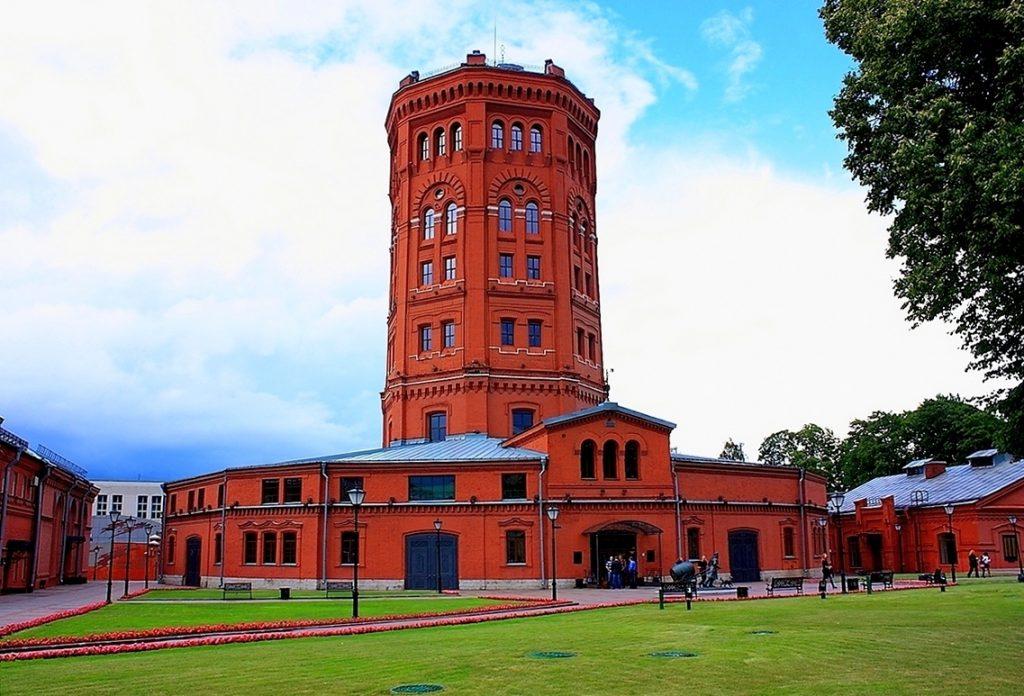 11.-muzej-mir-vody-sankt-peterburga-na-shpalernoj