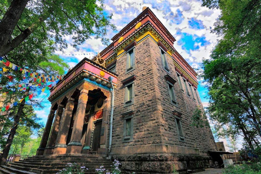 3.-buddijskij-hram-daczan-gunzechojnej